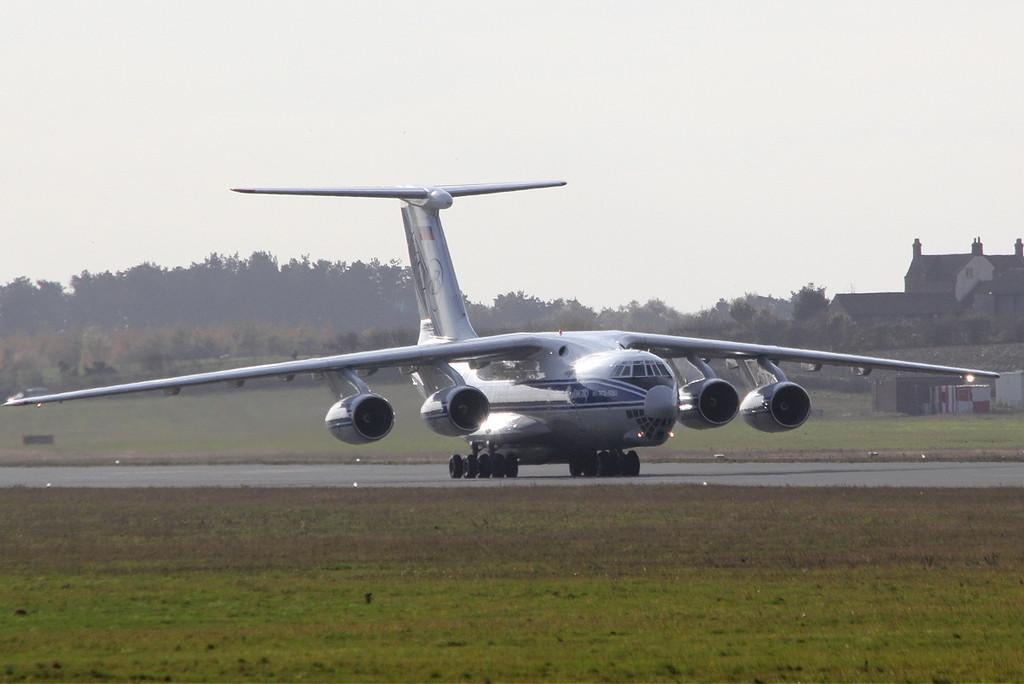 Volga Dnepr Ilyusin Il-76-TD-90VD RA-76503.<br /> By Clive Featherstone.
