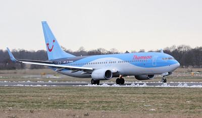 Thomson Airways 737-800 G-TAWN. By Jim Calow.