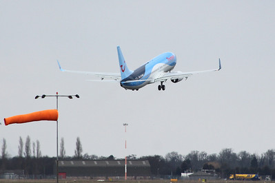 Thomson Airways  737-800, G-TAWO By Clive Featherstone.