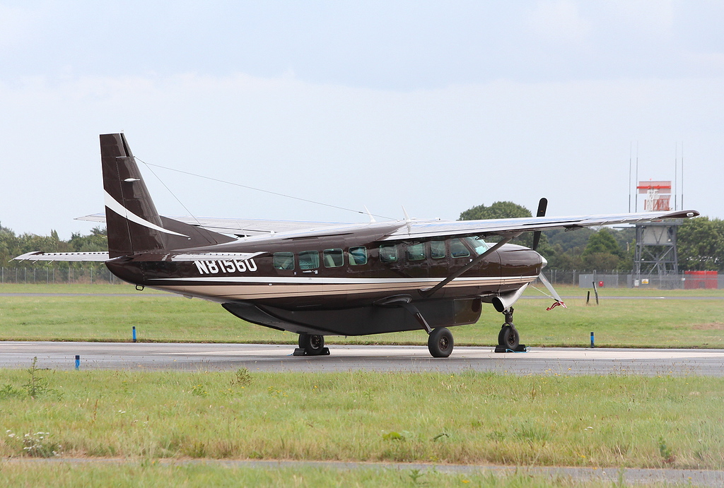 Cessna 208B Caravan, N81560.<br /> By Clive Featherstone.