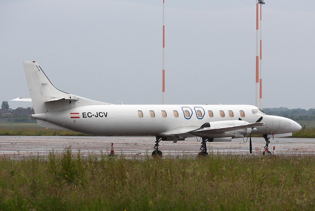 Flightline SL Swearingen SA226-AT Merlin IVA EC-JCV.<br /> By Clive Featherstone.